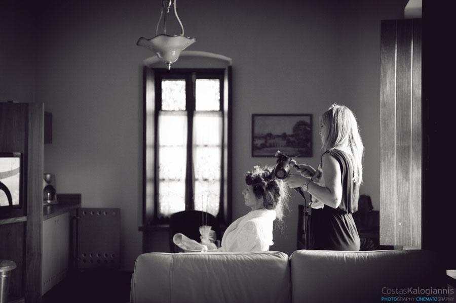 Προετοιμασία της νυφης για νυφικό χτενισμα
