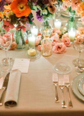 Το savoir vivre του γαμήλιου τραπεζιού