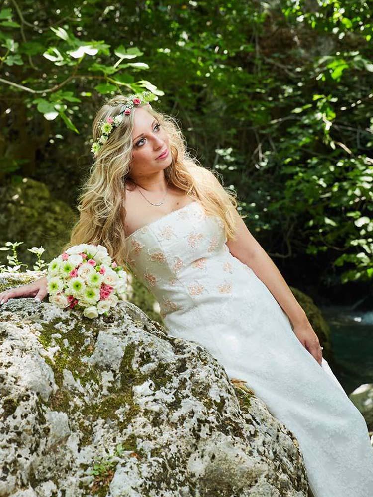 613762b0f3b Νυφικό vintage με πινελιές ρομαντισμού - myWeddingStar.gr -Νυφικα