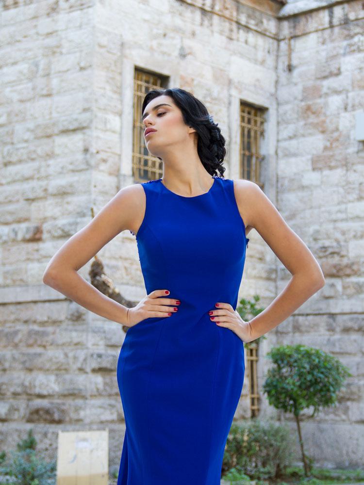 92b3be5a4a75 Ένα αγαπημένο χρώμα και μια καλή επιλογή για επίσημη βραδινή εμφάνιση. Μπλε  βραδινό φόρεμα chic style. Όταν έλαβα τις φωτογραφίες , με αυτό το  καταπληκτικό ...